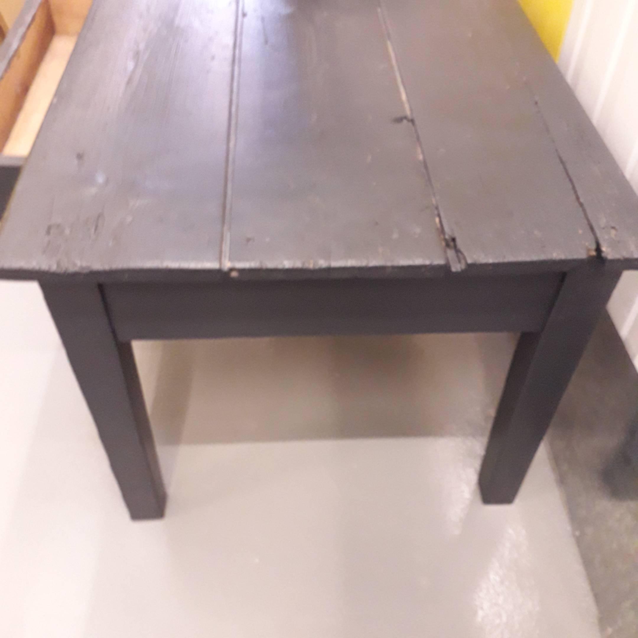 Table basse de ferme en bois avec tiroir, grise